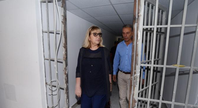 Министър Цачева посети затвора в Стара Загора