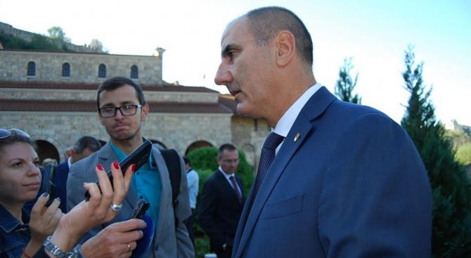 Цветанов: Когато има избори, висши политици идват в Търново на 22 септември, когато няма-изчезват (снимки)