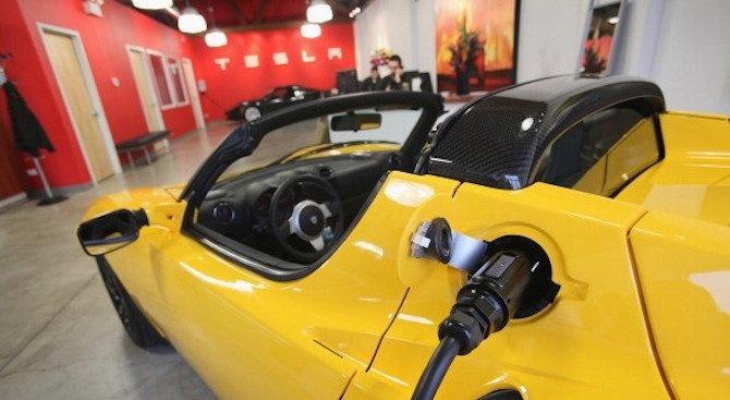 Вижте защо в България се отчита рекорден ръст в продажбата на електромобили