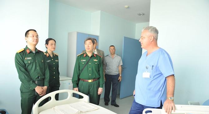 Обмислят обучение на виетнамски военни лекари у нас