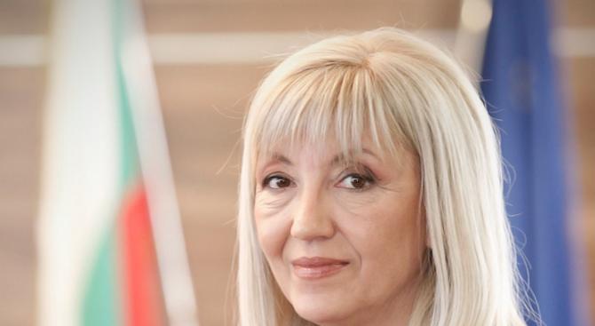 """Петя Аврамова ще участва във форум """"Строителството през 2019 г. – перспективи и предизвикателства"""""""