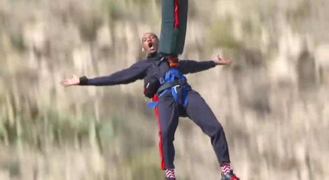 Уил Смит скочи с бънджи в Големия каньон за 50-тия си рожден ден (видео)