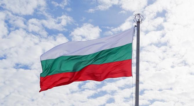 Две години затвор за мъжа осквернил националния флаг