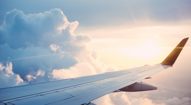 29 ранени при силна турболенция в самолет в Мексико