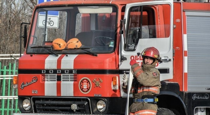 Бунгало пламна във Видинско