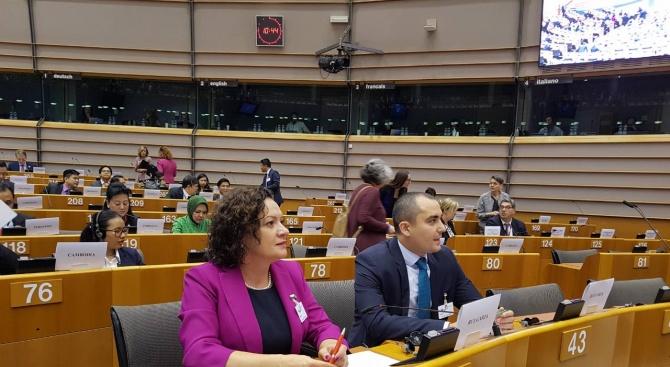 Ивелина Василева: България работи активно за климатичните промени