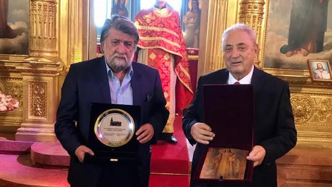 Вежди Рашидов бе награден с юбилеен плакет и икона в Истанбул