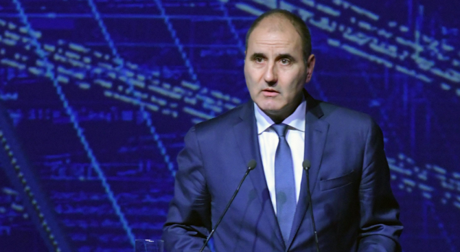 """Цветан Цветанов ще участва в конференция """"Бъдещето на икономическия и паричен съюз"""""""