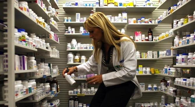 Денонощни аптеки само в 17 областни града