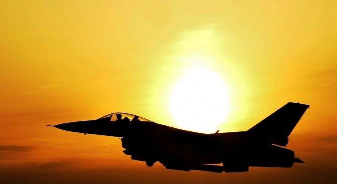 Отварят офертите за нов боен самолет