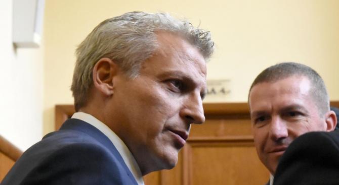 Бивши и настоящи министри дават показания по делото срещу Петър Москов