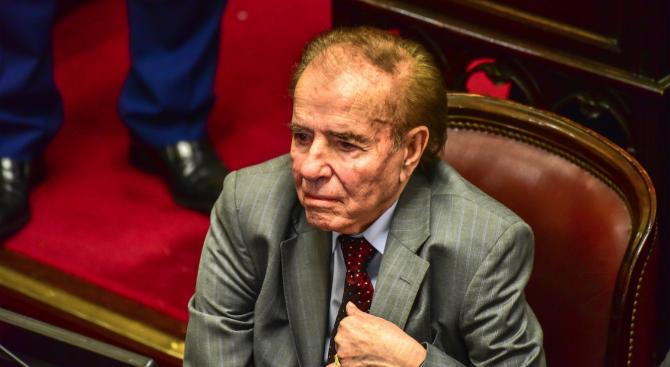 Бившият президент на Аржентина Карлос Менем бе оправдан за контрабанда на оръжие