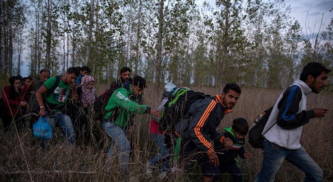 Турция спря близо 50 мигранти, тръгнали към България
