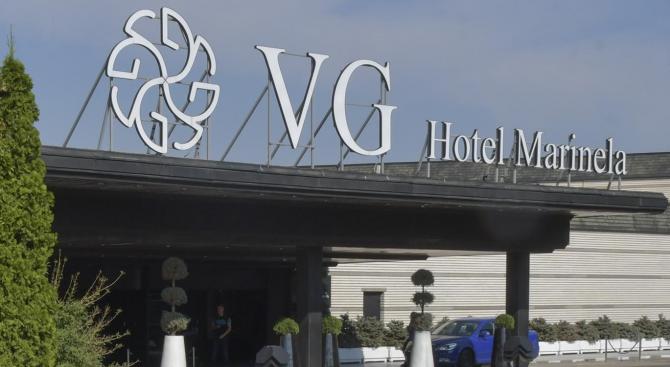 """За втори път съдът отмени запечатването на хотел """"Маринела"""""""