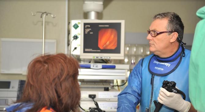 Операции на живо по време на международния конгрес по гастроентерология във ВМА