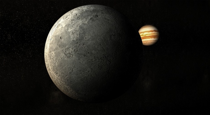 Юпитеровата луна Европа е покрита с огромни ледени шипове