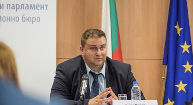 Емил Радев: Това, което се изсипа върху България след убийството на Виктория Маринова, беше недопустимо