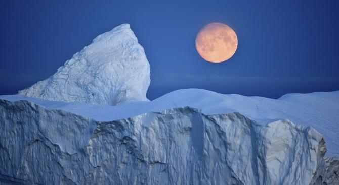 """Половината от сладката вода на планетата е """"складирана"""" под ледената покривка на Източна Антарктида"""