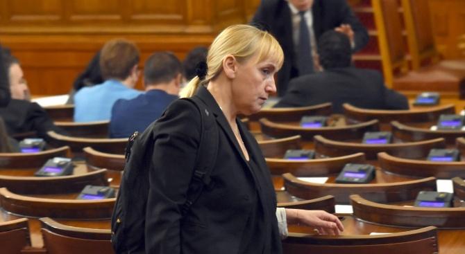 Елена Йончева ще съди Цветан Цветанов и Делян Добрев (видео)