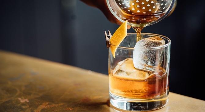 Продадоха на търг бутилка уиски за 843 200 долара