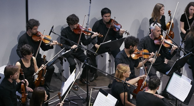 Руска музика и 007 се намесиха в Аферата Скрипал