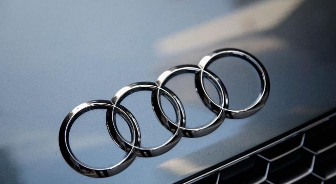 Audi сменя емблемата си