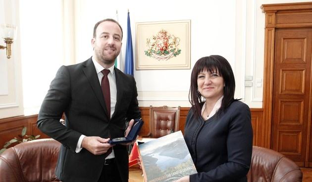 Караянчева се срещна с делегация на Комисията за международни отношения и емигранти на парламента на Черна гора