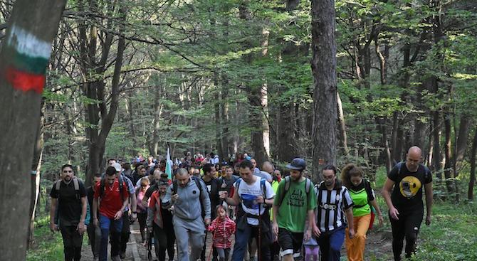 Ученици от Кърджалийско се включиха в поход по стъпките на българската армия в Родопите