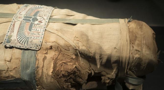 Учени разкриха загадка, свързана с татуировки върху древноегипетска мумия от Луксор