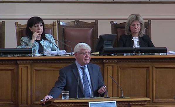 Ананиев: Здрав вот не се прави с болни аргументи (видео)