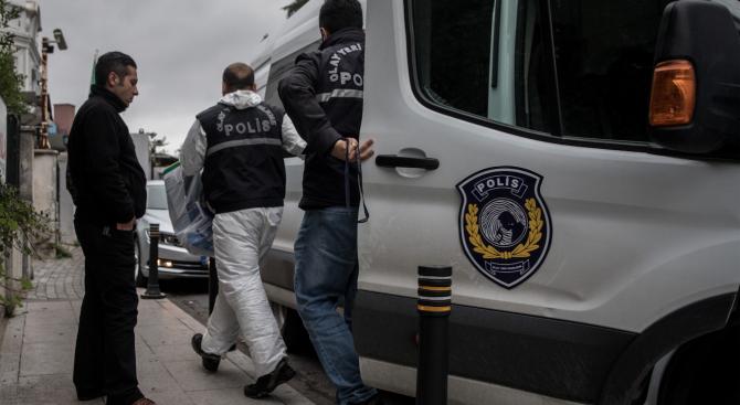 Турските власти назначиха денонощна охрана за годеницата на убития журналист Джамал Хашоги