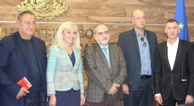 Петя Аврамова се срещна с ръководството на Камарата на строителите в България