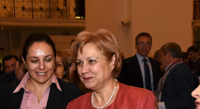 Менда Стоянова: Излишъкът в хазната е поради неосъществени капиталови разходи