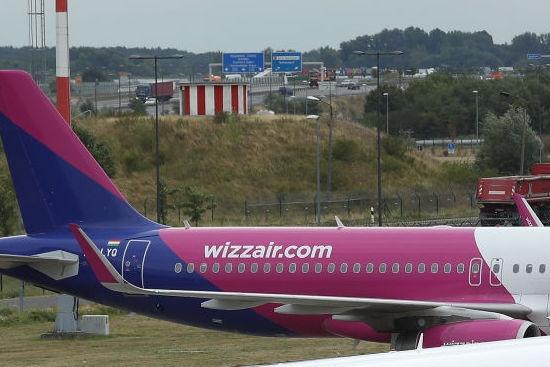 Бомбена заплаха приземи самолет на Wizz Air