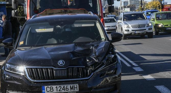 """Тежък инцидент на бул. """"Цариградско шосе"""": Кола помете и уби мъж (снимки)"""