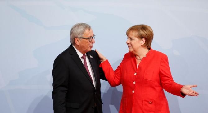 Юнкер: Нищо не се променя с обявеното намерение за оттеглянето на Меркел