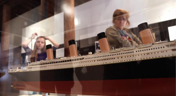 """Момче от Силистра сътвори копие на """"Титаник"""""""