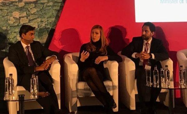 Ангелкова пред World Travel & Tourism Council в Лондон: Наш фокус са дигитализацията, иновациите и реализацията на младите хора в страната