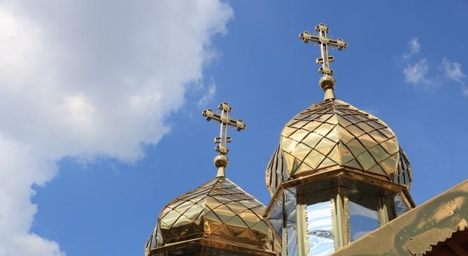 Мюсюлмани и християни събират заедно пари за църква