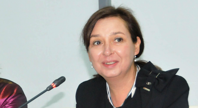 Русинова: Майчинството от 410 дни трябва да остане