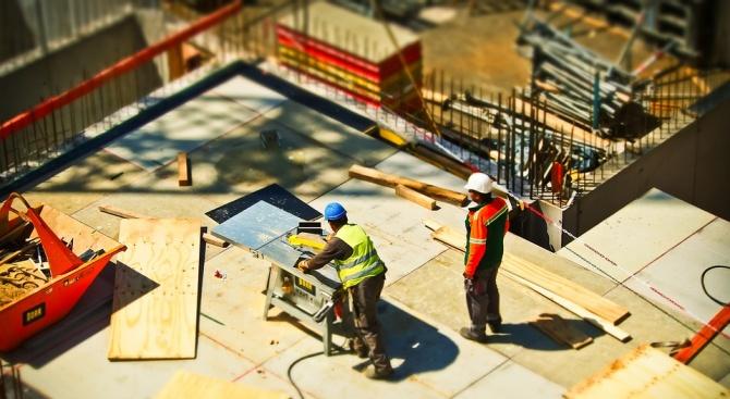 Трябва ли да има независимост между проектант, строител и контролен орган?