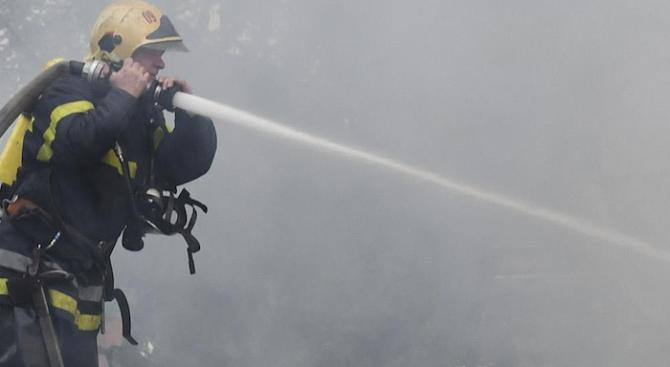 Пожар в жилищна сграда в София (обновена)