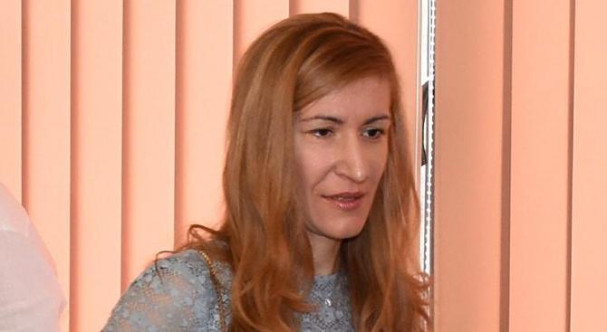 Николина Ангелкова ще проведе работна среща с контролните органи в курорта Боровец
