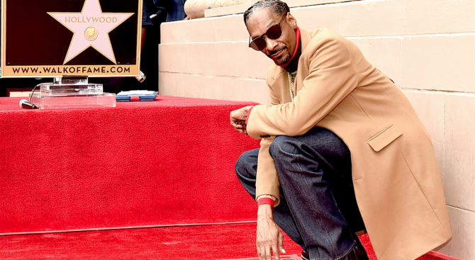Снуп Дог се сдоби със звезда на Алеята на славата (снимки)