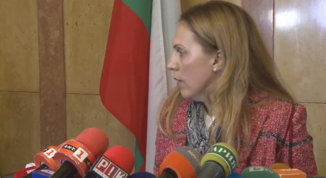 Марияна Николова с първи думи пред медиите, след като пое поста на вицепремиер (видео)