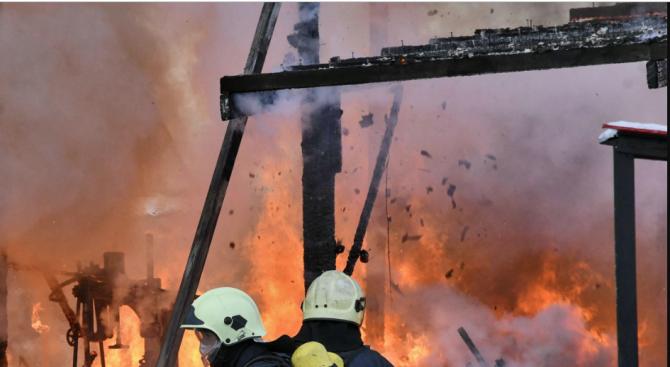 Четири деца загинахапри пожар в апартаментв руския град Тула