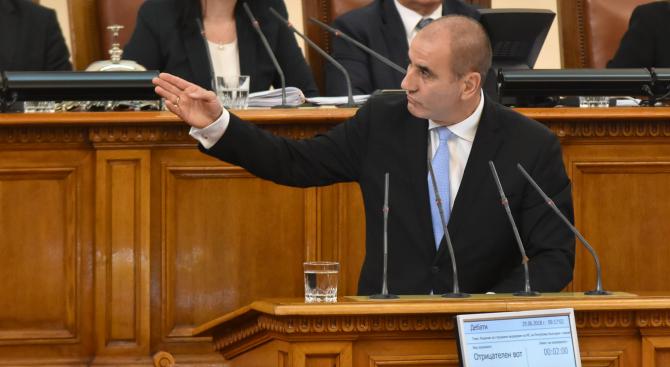 Цветанов: Президентската двойка се движи само в насрещното движение (видео)