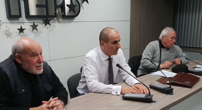 Цветан Цветанов пред Старейшини ГЕРБ: БСП с лидер Корнелия Нинова е слаб опонент