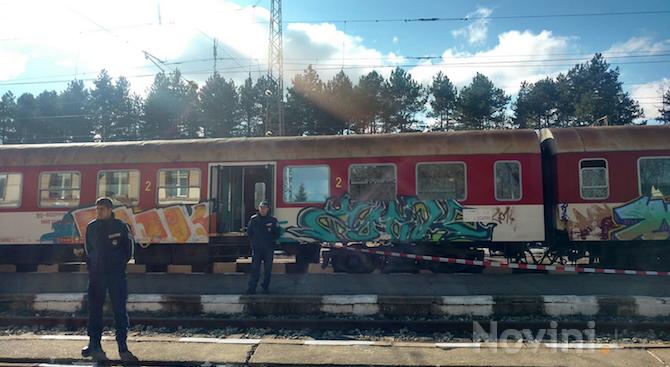 САС остави в ареста Запринка и Красимир, обвинени за убийство във влак край Вакарел (видео)