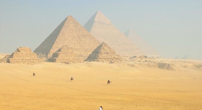Министерството на туризма проверява туроператорите, осъществили екскурзия до Египет